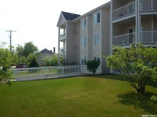 Photo 2: 202 806 100A Street in Tisdale: Residential for sale : MLS®# SK871913