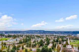 Photo 17: 2402 13303 CENTRAL Avenue in Surrey: Whalley Condo for sale (North Surrey)  : MLS®# R2428925