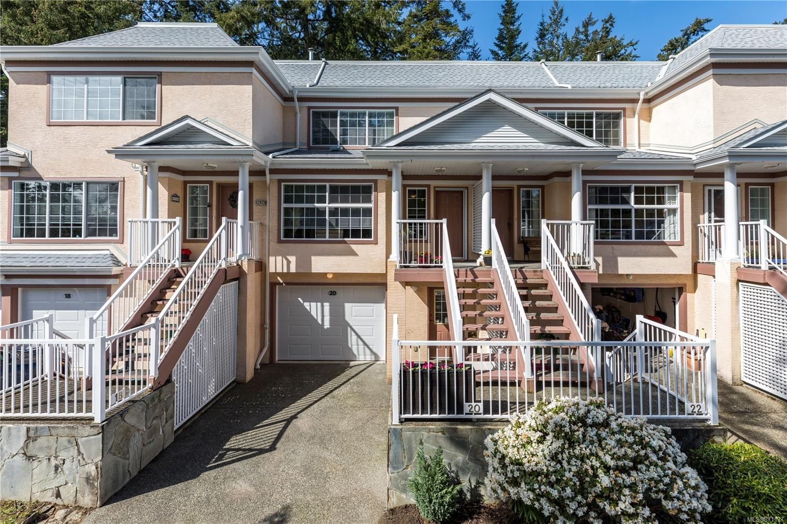 Main Photo: 20 14 Erskine Lane in : VR Hospital Row/Townhouse for sale (View Royal)  : MLS®# 871137