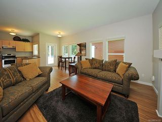 Photo 8: 3392 Merlin Rd in Langford: La Luxton House for sale : MLS®# 616100