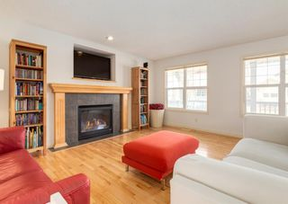Photo 2: 64 Prestwick Manor SE in Calgary: McKenzie Towne Detached for sale : MLS®# A1092528