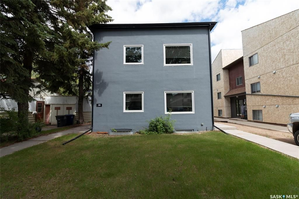 Main Photo: 104 110th Street West in Saskatoon: Sutherland Multi-Family for sale : MLS®# SK854292