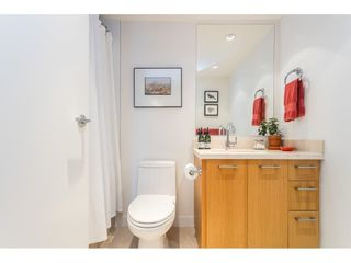 """Photo 18: 1607 1455 GEORGE Street: White Rock Condo for sale in """"Avra"""" (South Surrey White Rock)  : MLS®# R2558327"""