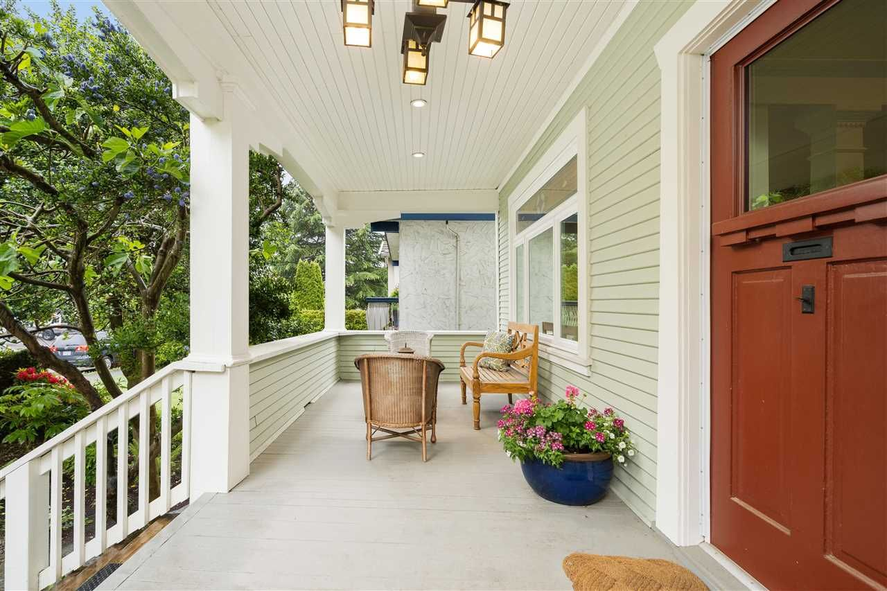 Photo 1: Photos: 849 DURWARD Avenue in Vancouver: Fraser VE House for sale (Vancouver East)  : MLS®# R2584821