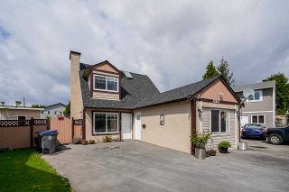 Photo 2: 12441 77A Avenue in Surrey: West Newton House for sale : MLS®# R2569417