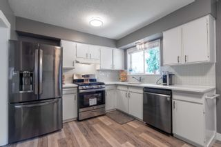 Photo 15: 2104 CARMEN Place in Port Coquitlam: Mary Hill House for sale : MLS®# R2615251