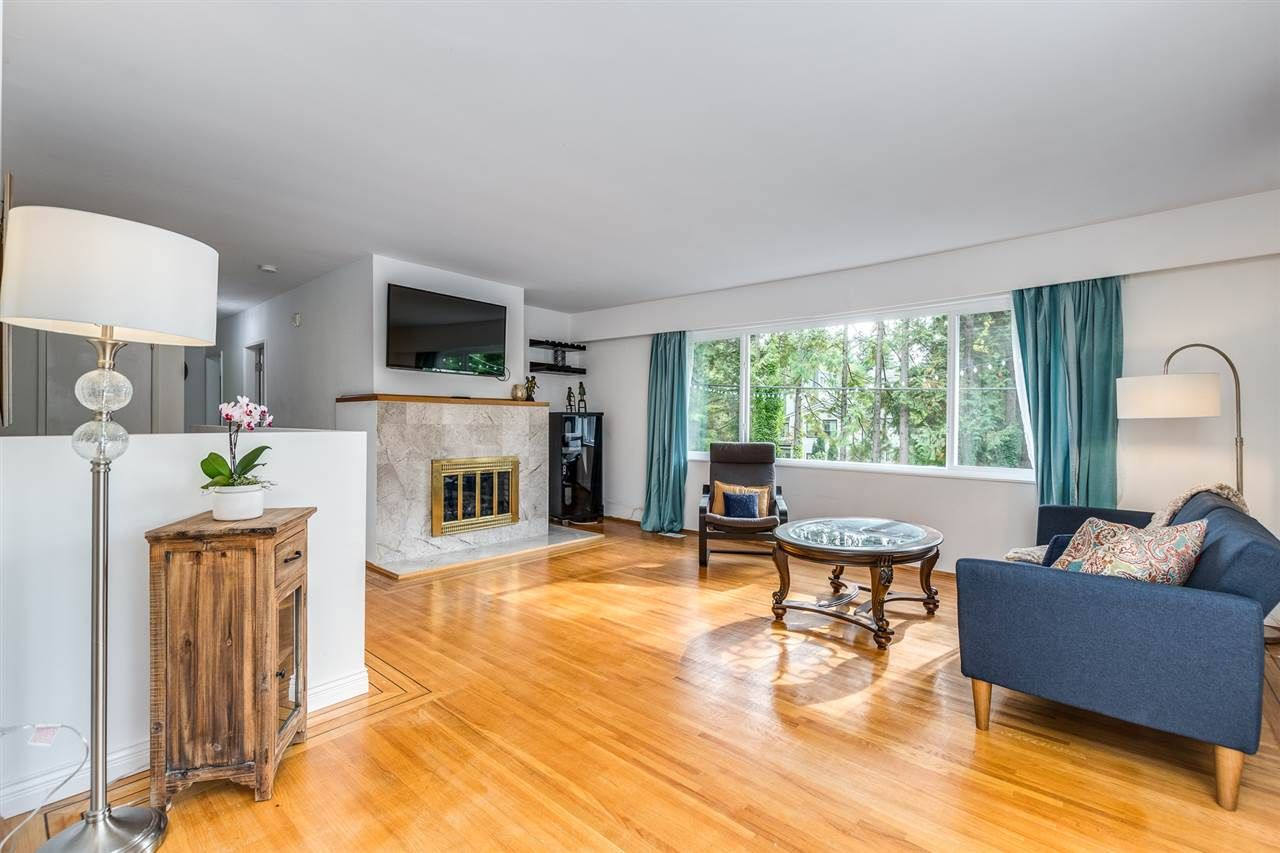 Main Photo: 990 CANYON Boulevard in North Vancouver: Canyon Heights NV House for sale : MLS®# R2541619