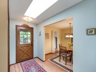 Photo 5: 1020 Readings Dr in : NS Lands End House for sale (North Saanich)  : MLS®# 875067