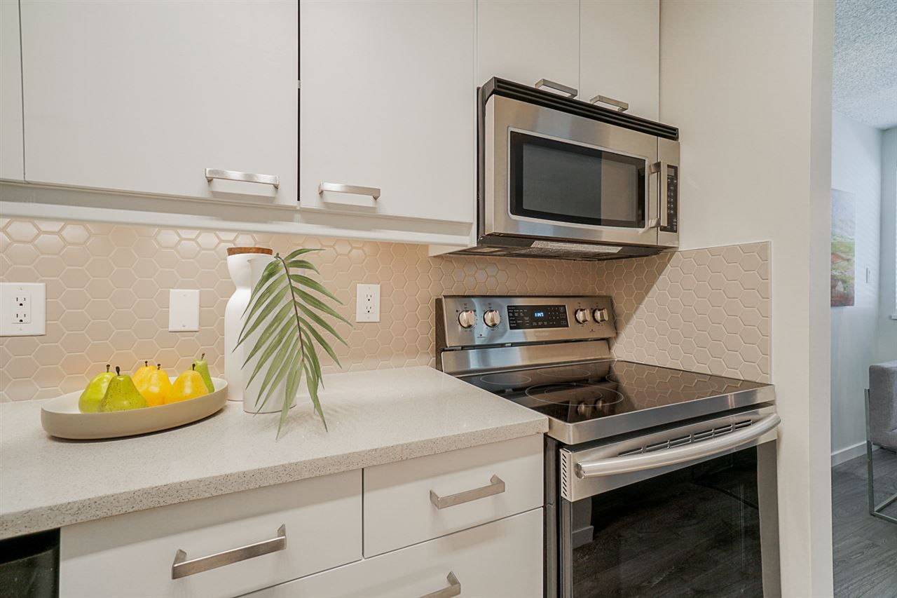 Photo 6: Photos: 108 1775 W 11TH AVENUE in Vancouver: Fairview VW Condo for sale (Vancouver West)  : MLS®# R2468149