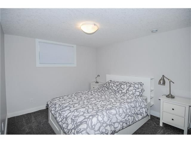 Photo 12: Photos: 1912 GLENWOOD Drive SW in Calgary: Glendale House for sale : MLS®# C4093243