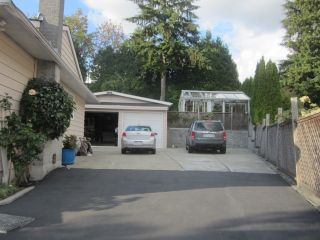 Photo 5: 3322 FAIRLAND COURT in Burnaby North: Government Road Home for sale ()  : MLS®# R2030785