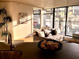 """Photo 5: 907 128 W CORDOVA Street in Vancouver: Downtown VW Condo for sale in """"Woodwards W43"""" (Vancouver West)  : MLS®# R2247630"""