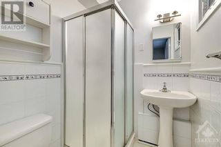 Photo 17: 24 CHARING ROAD in Ottawa: House for sale : MLS®# 1257303
