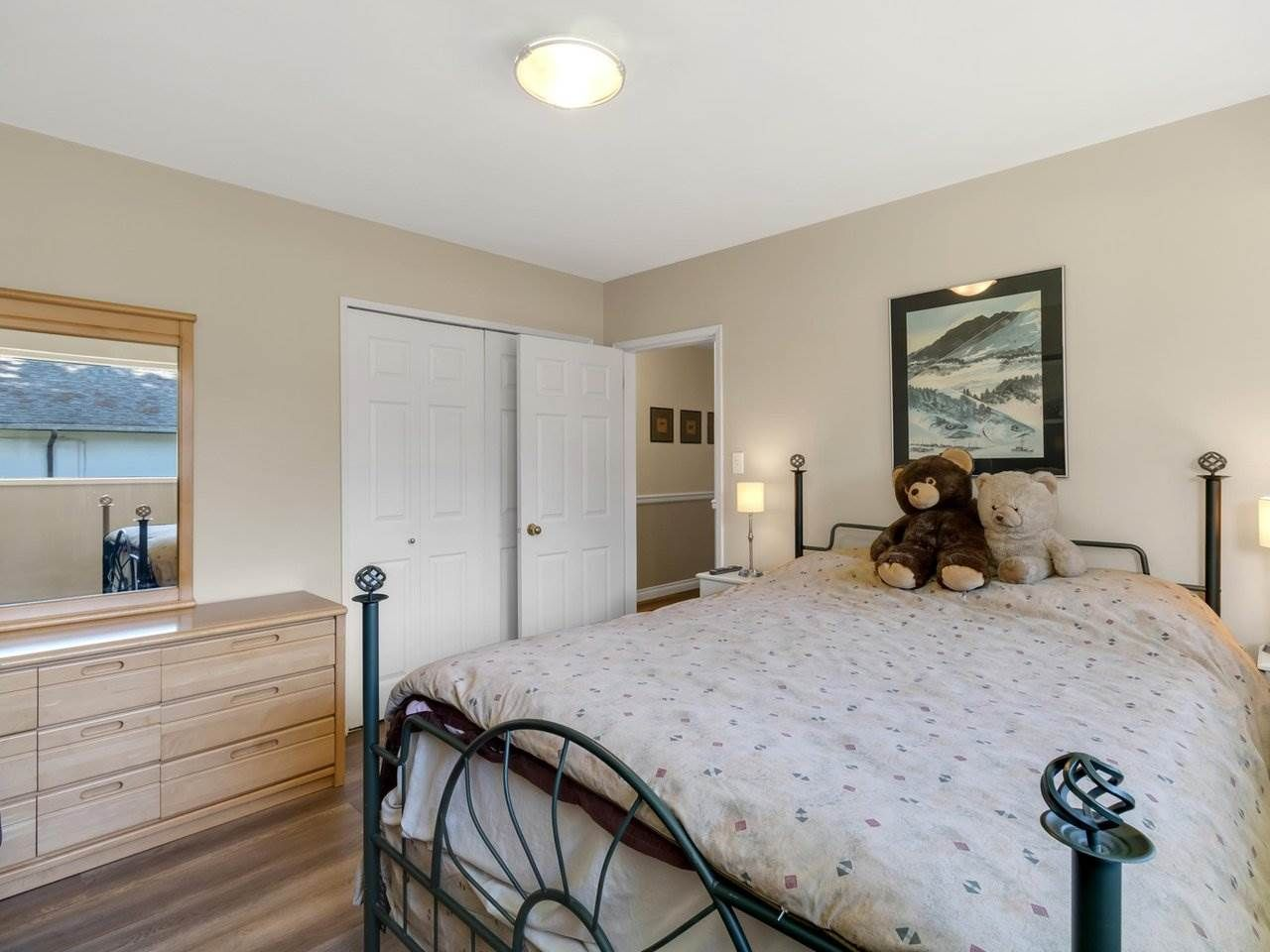 Photo 16: Photos: 943 GATENSBURY Street in Coquitlam: Harbour Chines House for sale : MLS®# R2499202