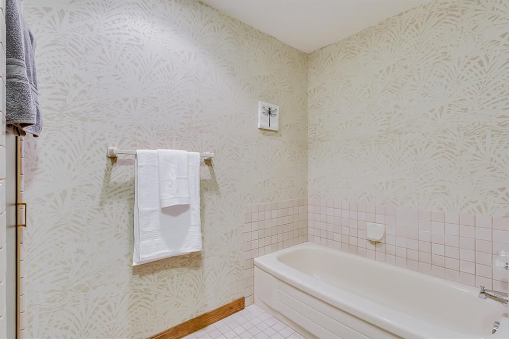 Photo 40: Photos: 831 PROSPECT Avenue SW in Calgary: Upper Mount Royal Detached for sale : MLS®# A1108724