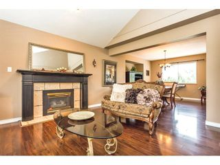 "Photo 4: 2452 MOUNTAIN Drive in Abbotsford: Abbotsford East House for sale in ""MOUNTAIN VILLAGE"" : MLS®# R2354481"