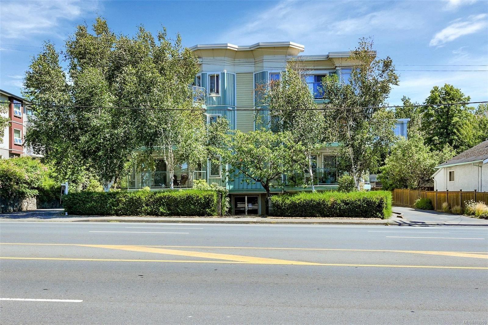 Main Photo: 102 3157 Tillicum Rd in : SW Tillicum Condo for sale (Saanich West)  : MLS®# 882255