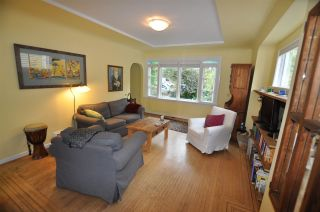 """Photo 2: 1607 E 14TH Avenue in Vancouver: Grandview VE House for sale in """"GRANDVIEW WOODLAND"""" (Vancouver East)  : MLS®# R2311671"""