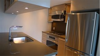 """Photo 14: 2210 833 SEYMOUR Street in Vancouver: Downtown VW Condo for sale in """"Capitol Residences"""" (Vancouver West)  : MLS®# V1056277"""