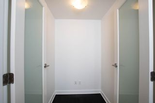 """Photo 6: 2002 10777 UNIVERSITY Drive in Surrey: Whalley Condo for sale in """"CITY POINT"""" (North Surrey)  : MLS®# R2595806"""