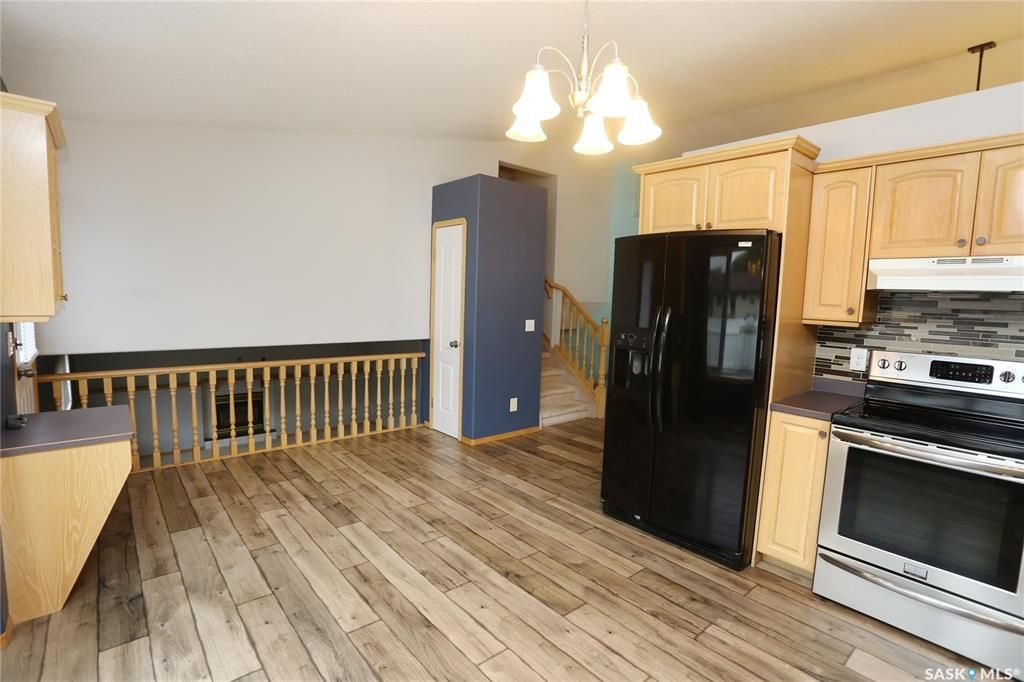Photo 15: Photos: 206 1st Avenue North in Warman: Residential for sale : MLS®# SK796281