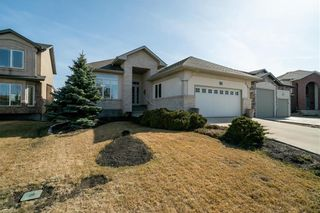 Photo 1: 63 WINTERHAVEN Drive in Winnipeg: River Park South Residential for sale (2F)  : MLS®# 202105931