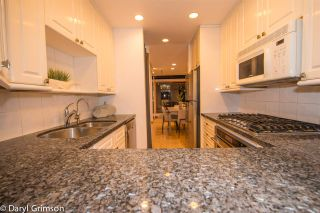 "Photo 5: 1006 IRONWORK PASSAGE in Vancouver: False Creek Townhouse for sale in ""Marine Mews"" (Vancouver West)  : MLS®# R2420267"