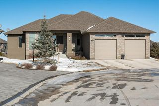 Photo 1: 8 BAYWIND Place in East St Paul: Pritchard Farm Condominium for sale (3P)  : MLS®# 202104932