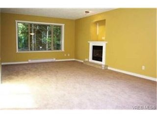 Photo 2: 465 Phelps Ave in VICTORIA: La Thetis Heights House for sale (Langford)  : MLS®# 334839