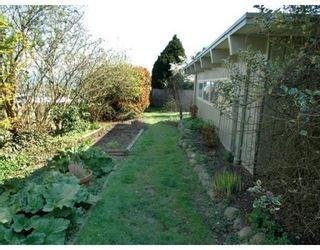 Photo 9: 850 HENDRY AV in North Vancouver: House for sale : MLS®# V884549