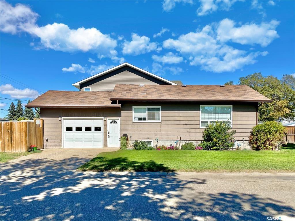 Main Photo: 330 McTavish Street in Outlook: Residential for sale : MLS®# SK870442