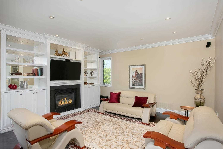 Photo 11: Photos: 1006 Ivsbridge Boulevard in Newmarket: Stonehaven-Wyndham House (Bungalow) for sale : MLS®# N4496159
