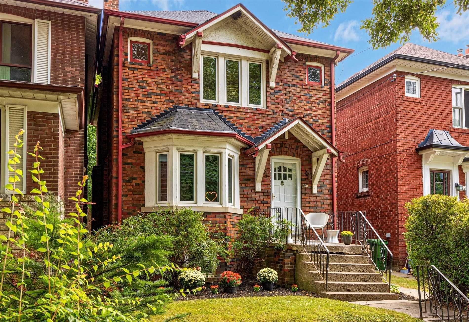 Main Photo: 131 E Hillsdale Avenue in Toronto: Mount Pleasant East House (2-Storey) for sale (Toronto C10)  : MLS®# C5376173
