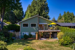 Photo 2: 1212 GOWER POINT Road in Gibsons: Gibsons & Area House for sale (Sunshine Coast)  : MLS®# R2605077