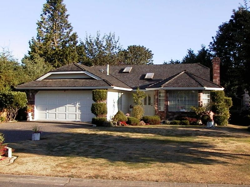 Main Photo: 13570 15A Avenue in Surrey: Crescent Bch Ocean Pk. House for sale (South Surrey White Rock)  : MLS®# F2319654