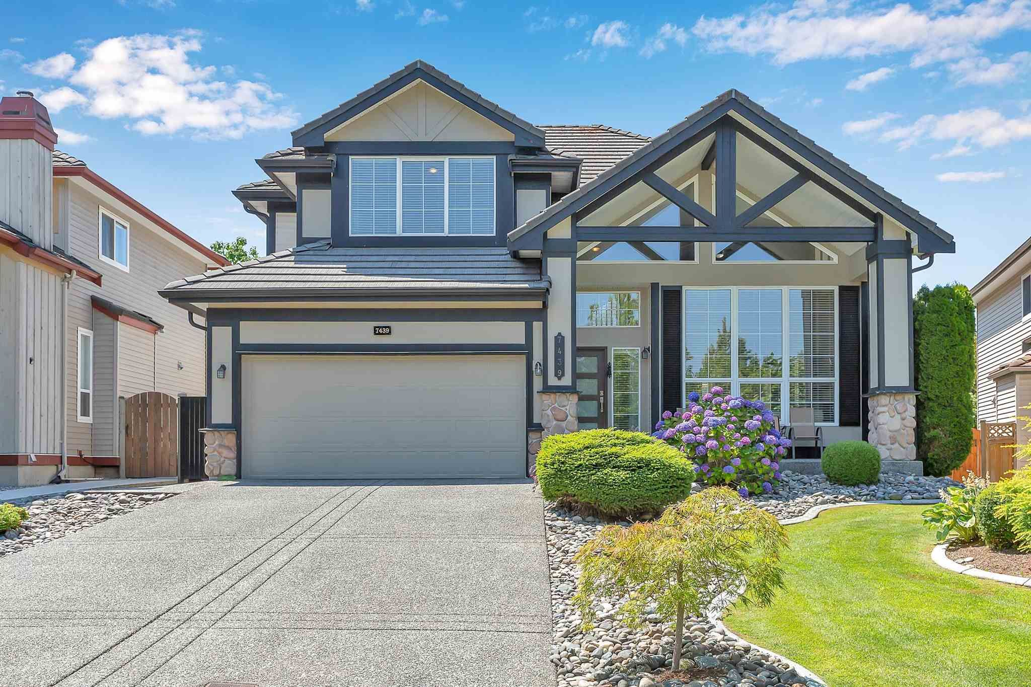 """Main Photo: 7439 146 Street in Surrey: East Newton House for sale in """"Chimney Heights"""" : MLS®# R2602834"""