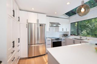 Photo 8: 450 MOUNTAIN Drive: Lions Bay House for sale (West Vancouver)  : MLS®# R2586968