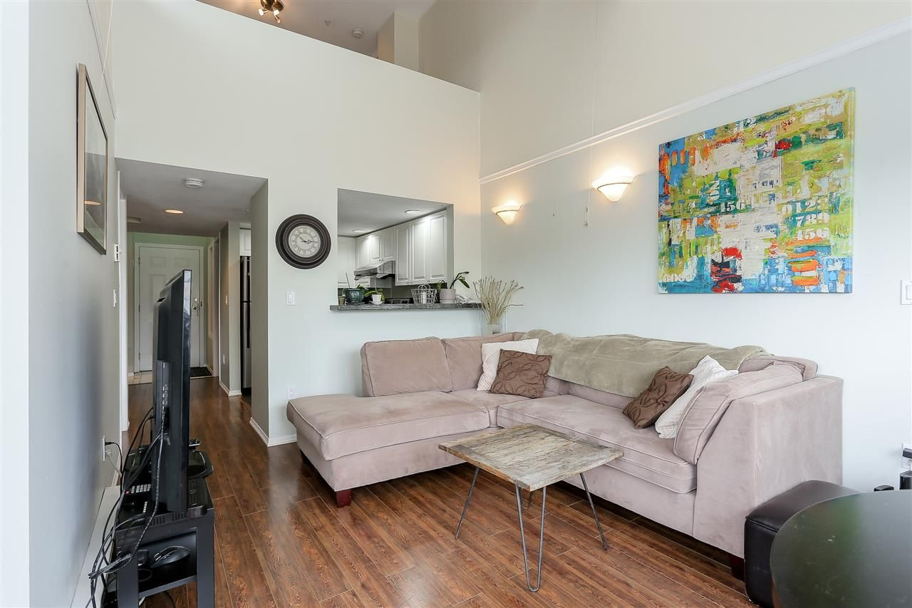 "Photo 5: Photos: 402 14355 103 Avenue in Surrey: Whalley Condo for sale in ""Claridge Court"" (North Surrey)  : MLS®# R2191413"