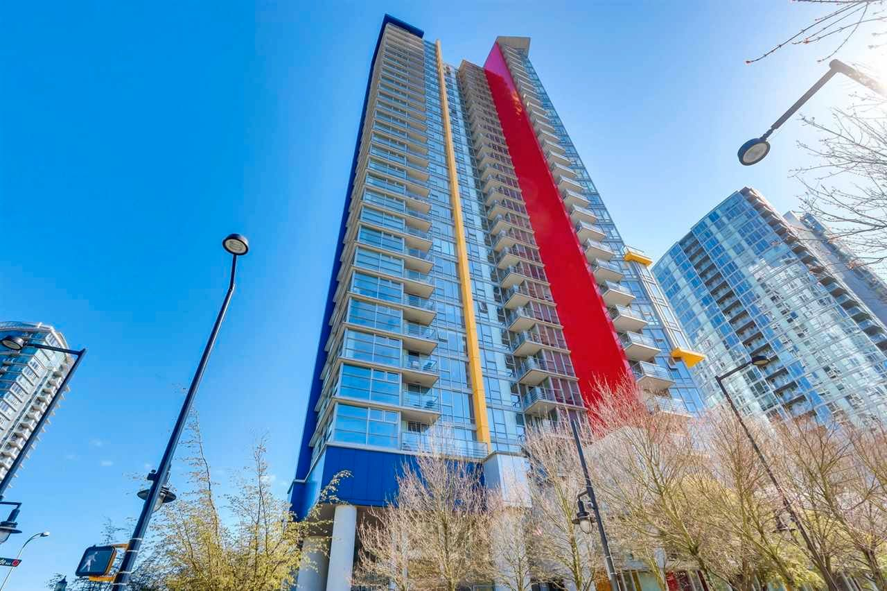 "Main Photo: 1709 602 CITADEL Parade in Vancouver: Downtown VW Condo for sale in ""Spectrum 4"" (Vancouver West)  : MLS®# R2565583"