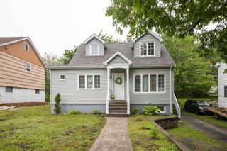 Photo 2: 41 Central Avenue in Halifax: 6-Fairview Multi-Family for sale (Halifax-Dartmouth)  : MLS®# 202116974