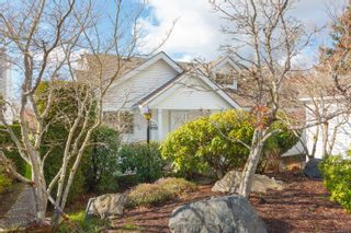 Photo 2: 3665 1507 Queensbury Ave in Saanich: SE Cedar Hill Row/Townhouse for sale (Saanich East)  : MLS®# 866565