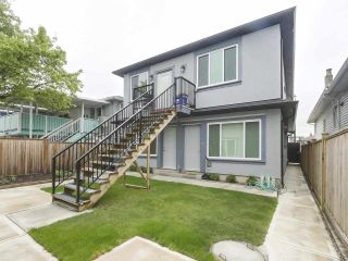 Photo 2: 6583 KNIGHT Street in Vancouver: South Vancouver House for sale (Vancouver East)  : MLS®# R2575477