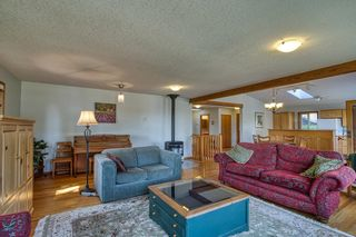 Photo 11: 1212 GOWER POINT Road in Gibsons: Gibsons & Area House for sale (Sunshine Coast)  : MLS®# R2605077