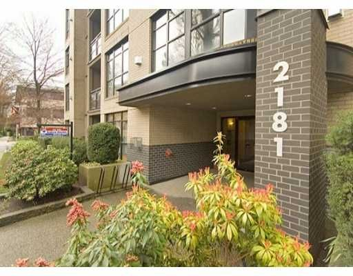 Main Photo: 2181 W 10TH Ave in Vancouver: Kitsilano Condo for sale (Vancouver West)  : MLS®# V636352