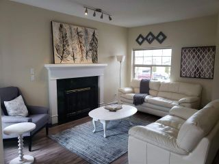 """Photo 2: 43 8675 209 Street in Langley: Walnut Grove House for sale in """"Sycamores"""" : MLS®# R2347304"""