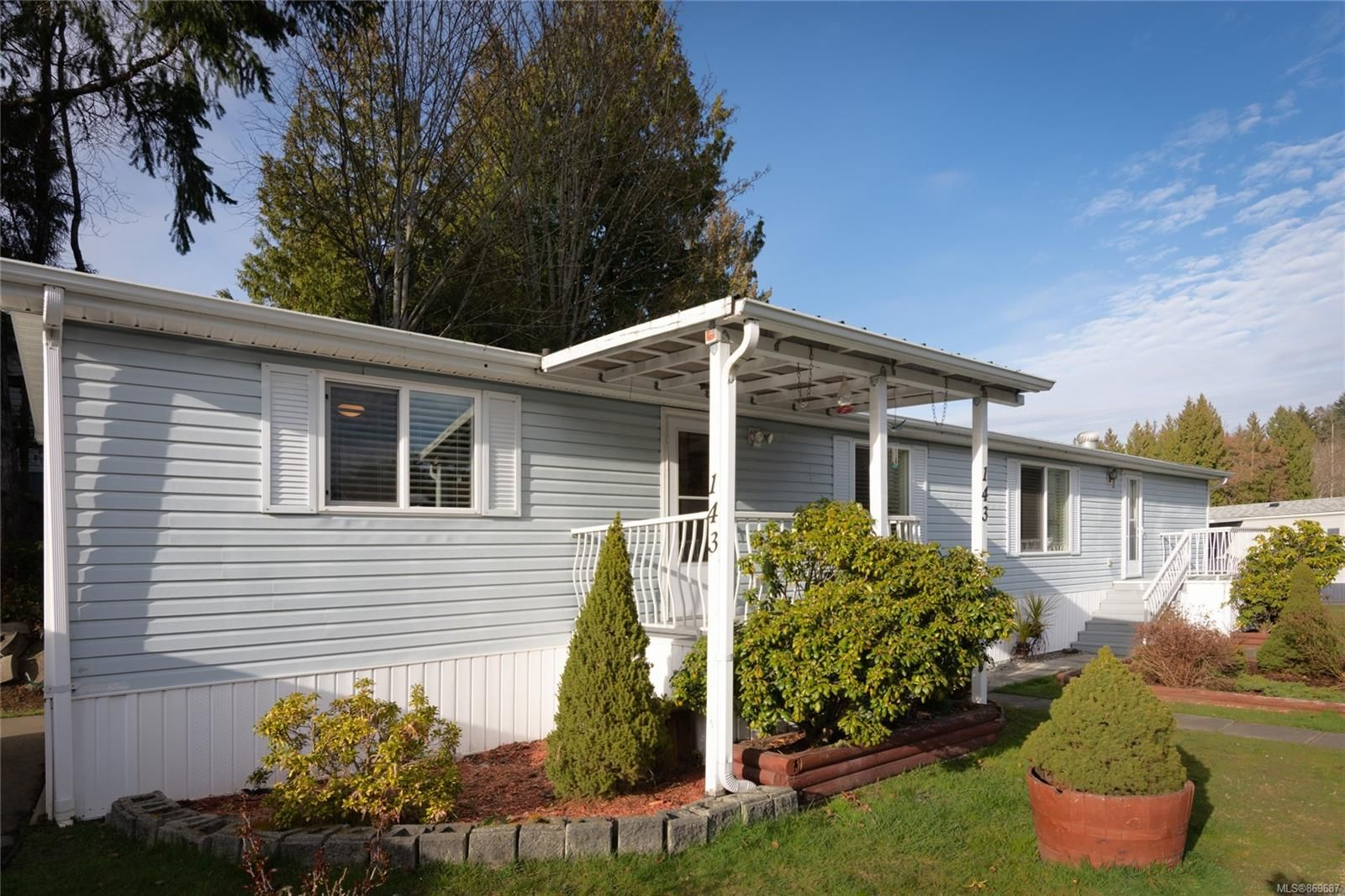 Main Photo: 143 25 Maki Rd in : Na Chase River Manufactured Home for sale (Nanaimo)  : MLS®# 869687