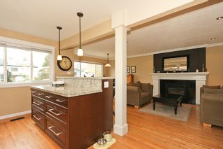 "Photo 9: 1708 DUNCAN Drive in Tsawwassen: Beach Grove House for sale in ""BEACH GROVE"" : MLS®# V868678"