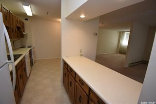Photo 4: 203 351 Saguenay Drive in Saskatoon: River Heights SA Residential for sale : MLS®# SK857161