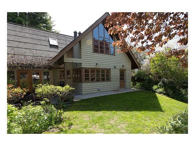 FEATURED LISTING: 4033 40th Avenue West Vancouver