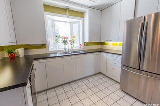 Photo 10: 304 Bate Crescent in Saskatoon: Grosvenor Park Residential for sale : MLS®# SK724443
